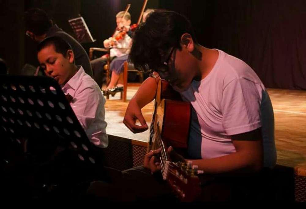Clases de Guitarra en El Sur de Quitl
