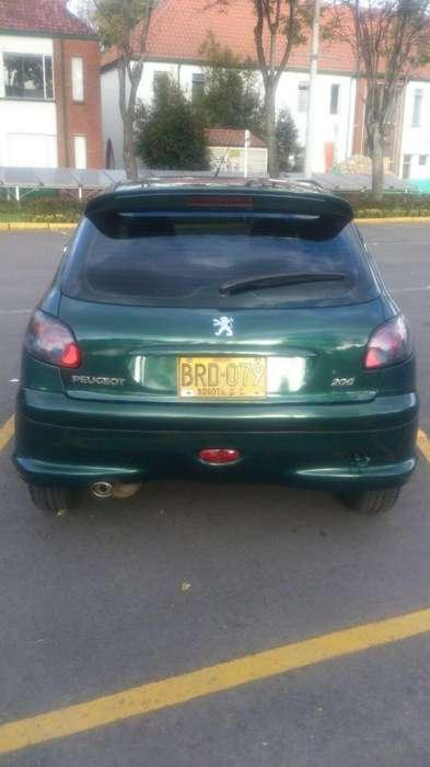 Peugeot 206 2004 - 136143 km