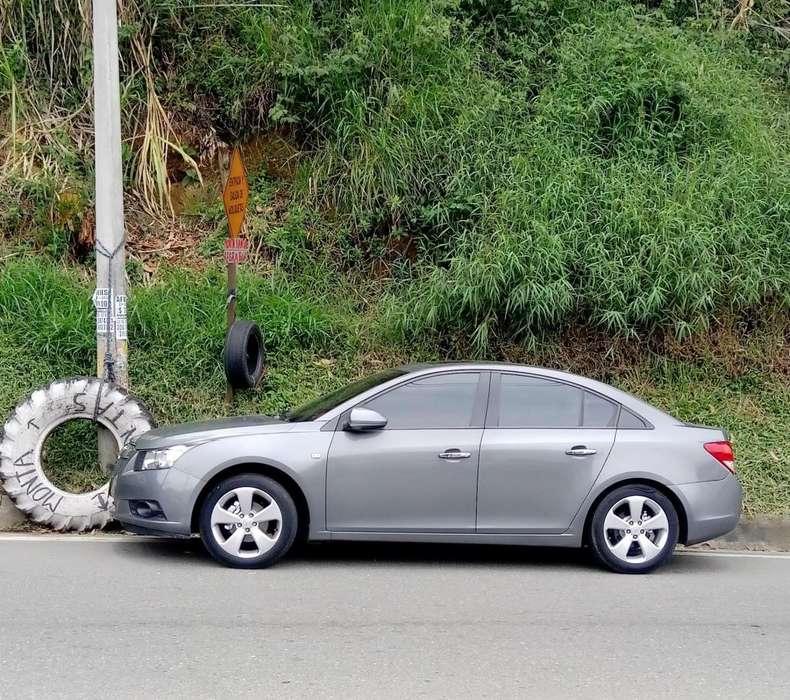 Chevrolet Cruze 2011 - 83000 km