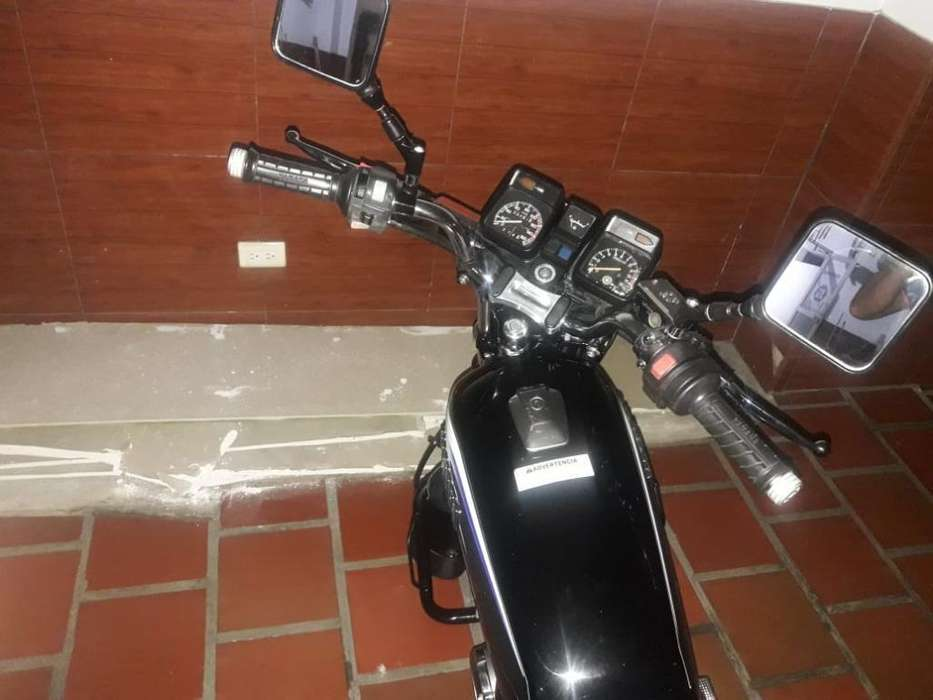 Moto Rx100
