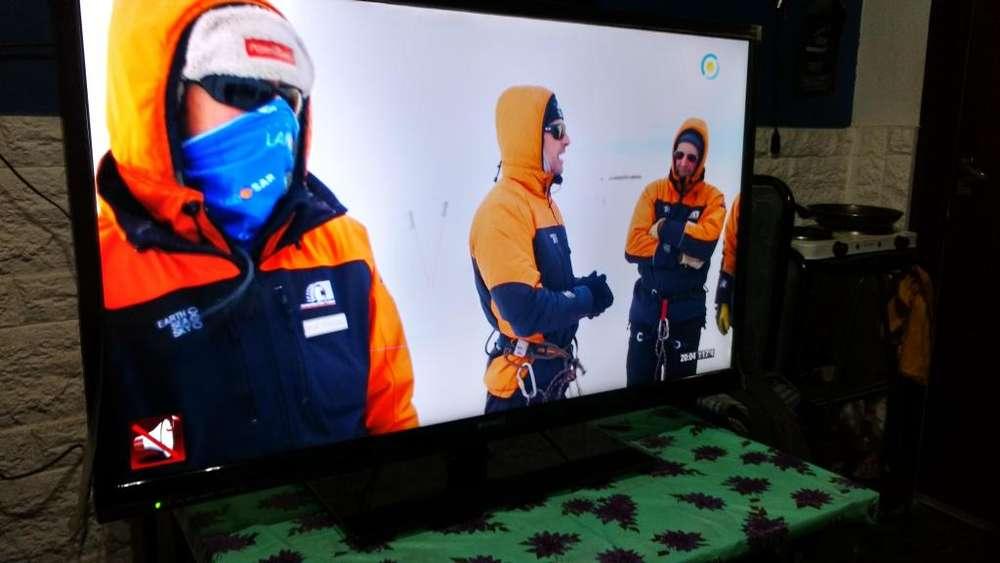 Tv Led Top House 40 Funcionando Con Base Vidrio Y Control Efectivo Oferta Final Liquidacion 5500