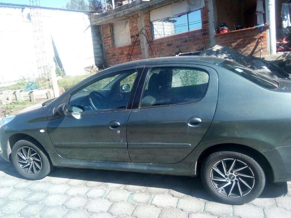 Peugeot 207 2009 - 140000 km
