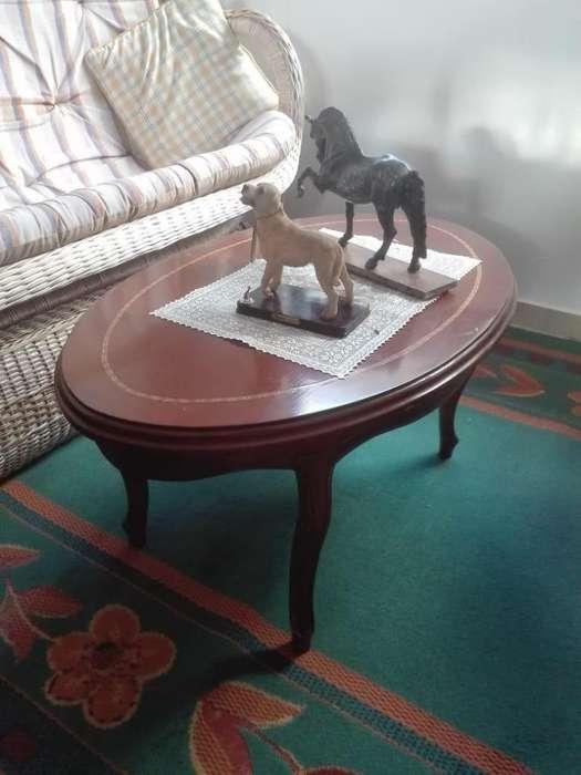 Mesa en madera para centro de sala