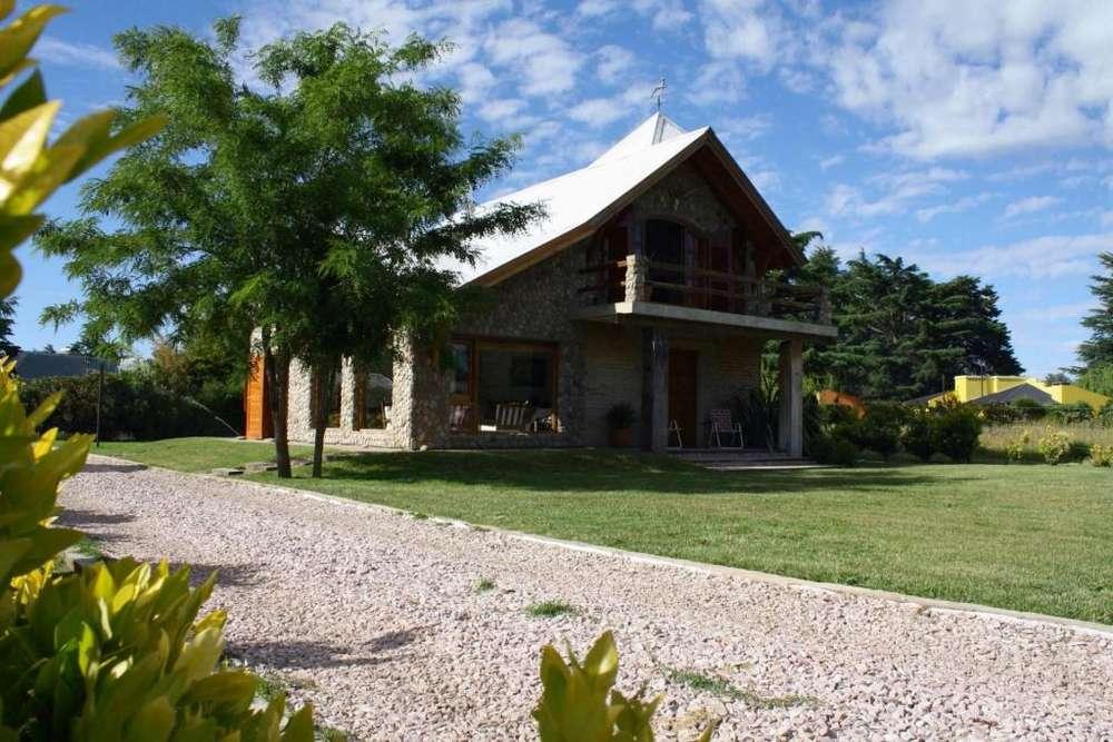 wn97 - Chalet para 5 a 9 personas con pileta y cochera en Sierra De La Ventana