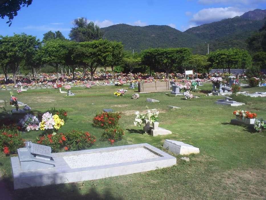 Venta lote doble cementerio jardines del Eccehomo
