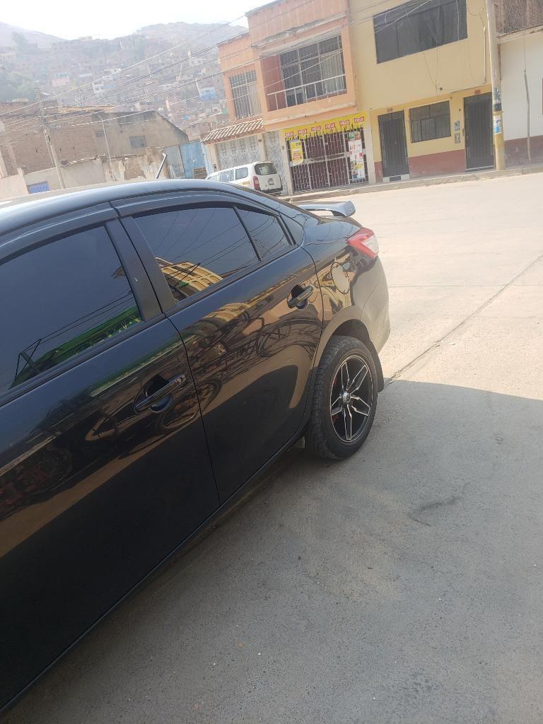 Vendo Auto Yaris Del Año 2017