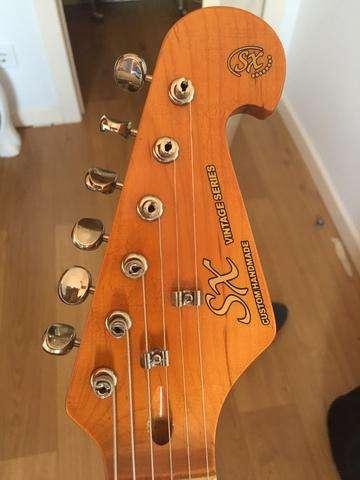 Combo Ampli Vox VT20 y Guitarra stratocaster vintage SX