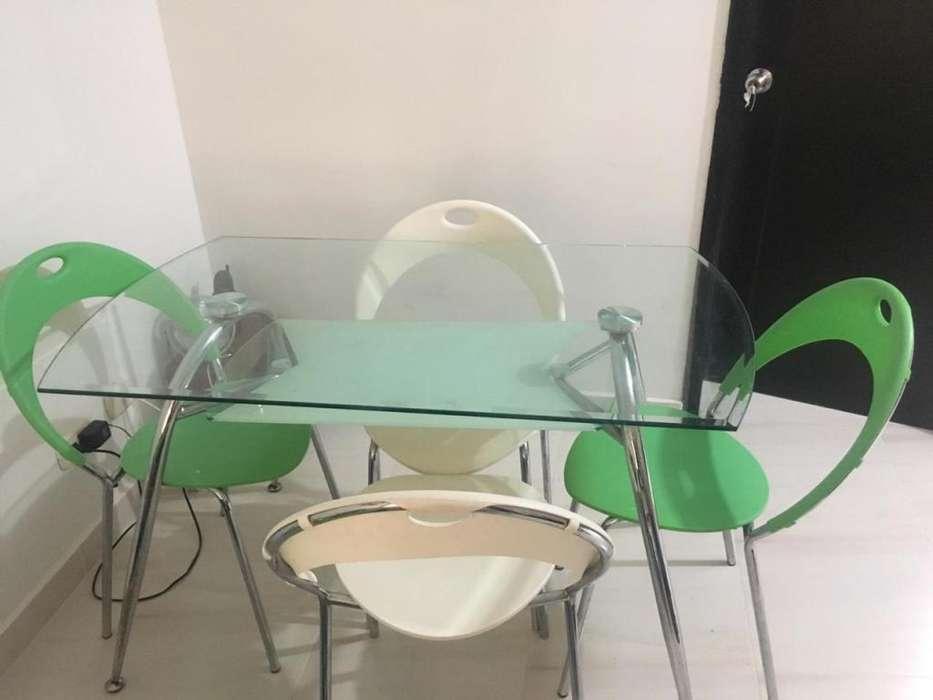 Mesa comedor en vidrio 4 puestos