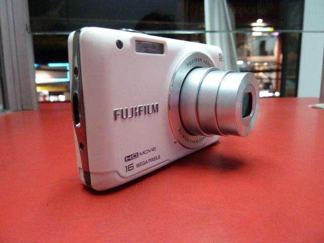 CAMARA DIGITAL FUJIFILM VIDEO EN HD 16MP MODELO JX 650 COMO NUEVA, FOTO Y VIDEO DE CALIDAD