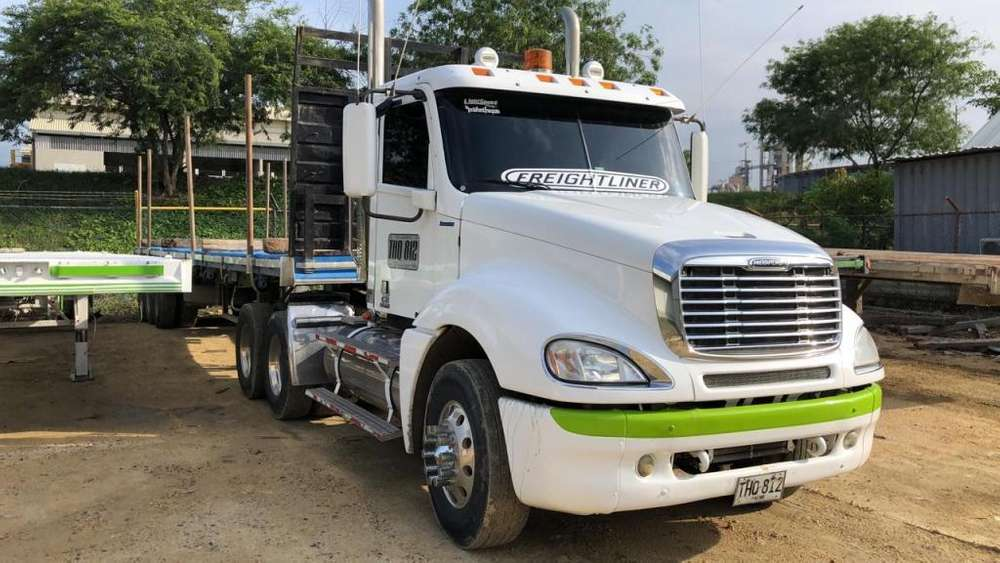 TRACTOCAMION FREIGTHLINER COLUMBIA 2012