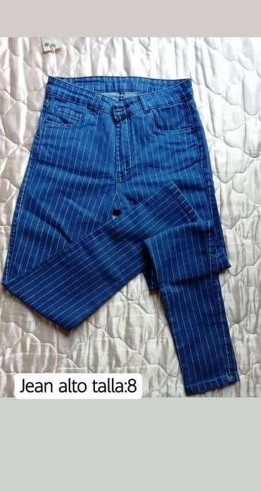 Jeans Clásicos Y Shorts Tiro Alto