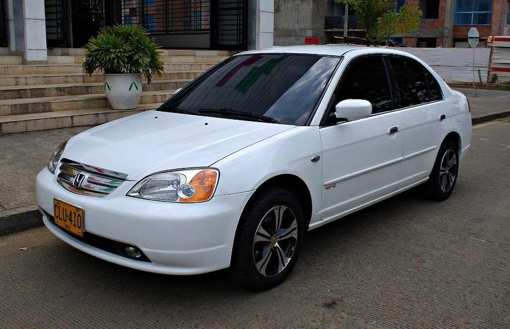Honda Civic 2003 - 115000000 km