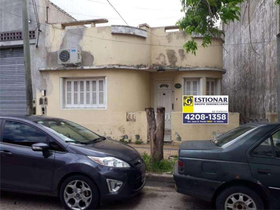 Casa PH en venta en Valentin Alsina