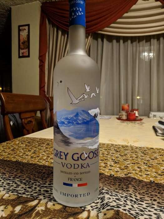 Vodka de Calidad Premium Grey Roose