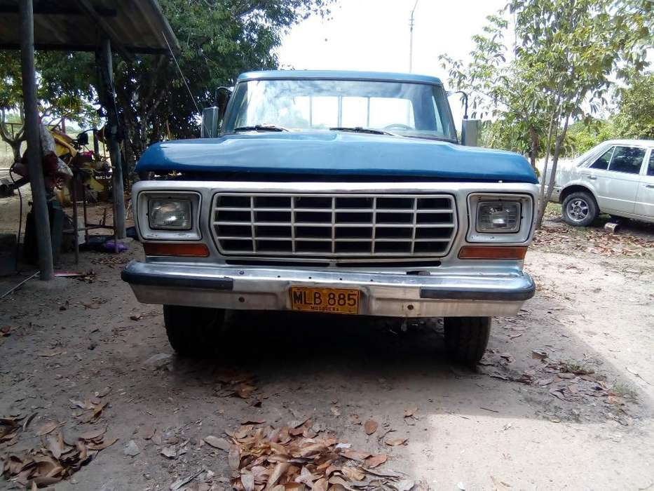 <strong>ford</strong> F-100 1979 - 145000 km