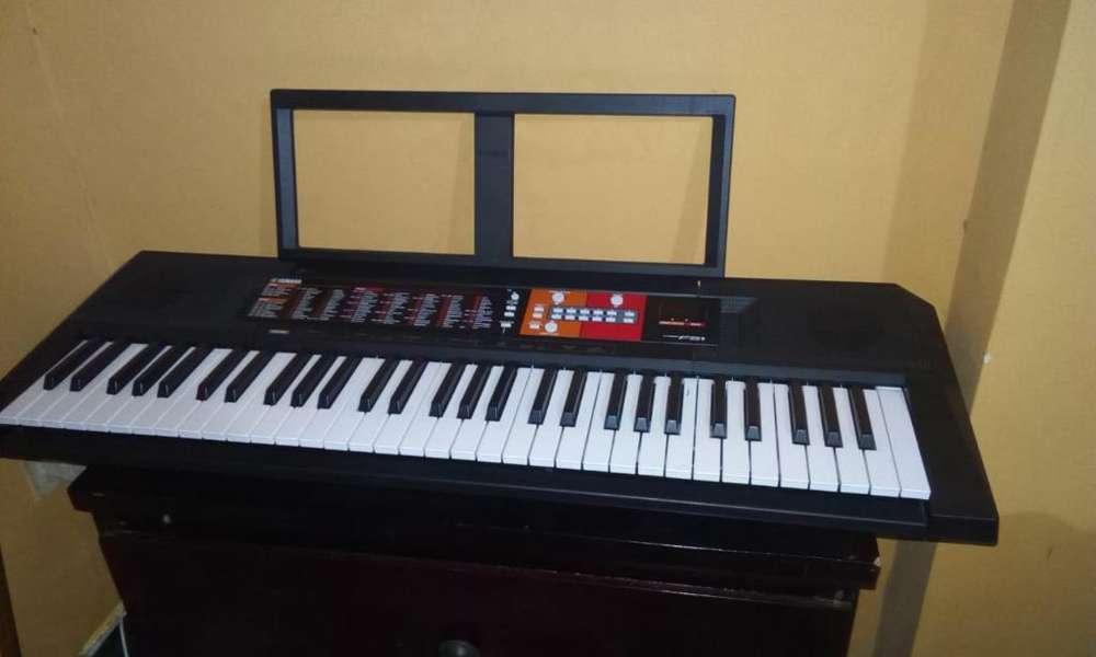 Se Vende Piano Yamaha Psr F51