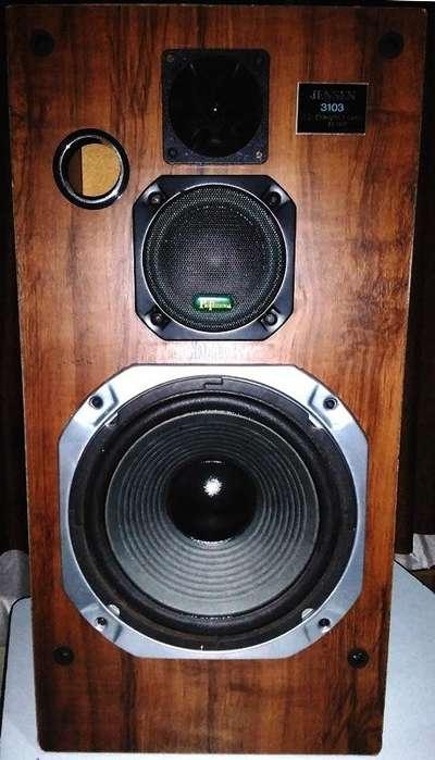 Parlantes usados JENSEN Americanos, Made in USA de 3 vías Cada bafle pesa 10 kilos. El Woofer es de 350 watts.