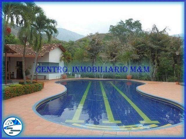 Sol y piscina en Fincas en San jerónimo Antioquia