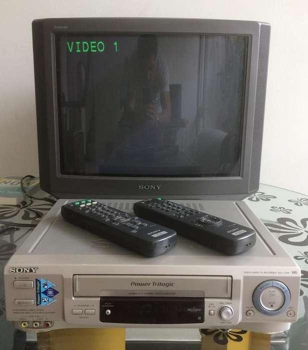 TV y VHS en Combo <strong>sony</strong> clásico para amantes de lo retro.