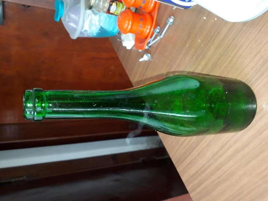 Antigua botella de bebida espirituosa