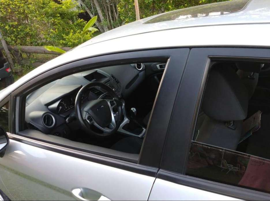 Ford Fiesta Kinetic 2014 - 27000 km