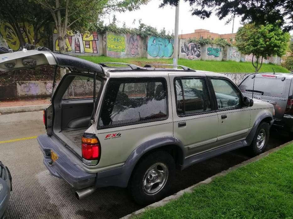 Ford Explorer 1997 - 230000 km