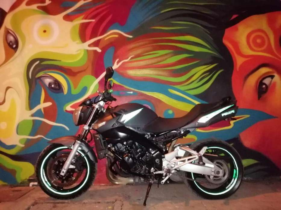 Vendo Gsr 600 Moto Alto Cilindraje