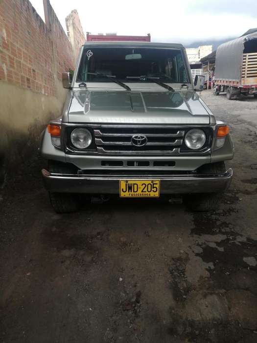 Toyota Land Cruiser 1995 - 200000 km