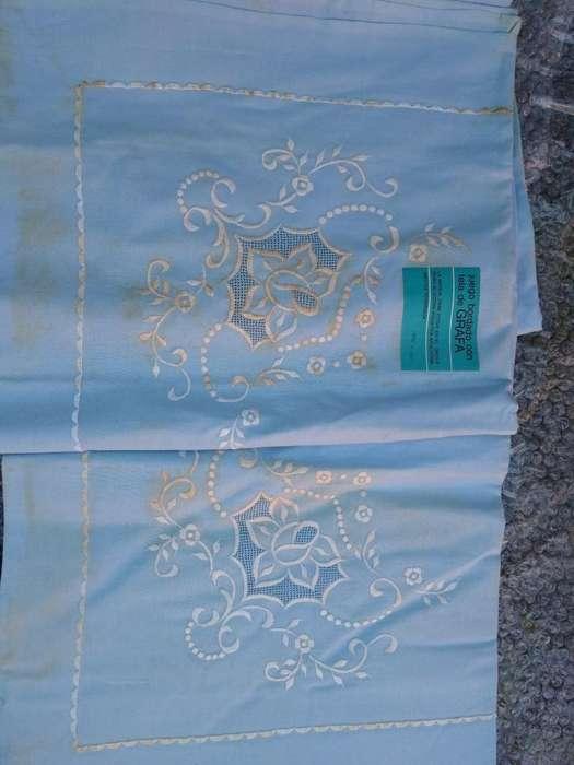 Sábana grafa celeste bordado blanco Richelieu funda nueva caja