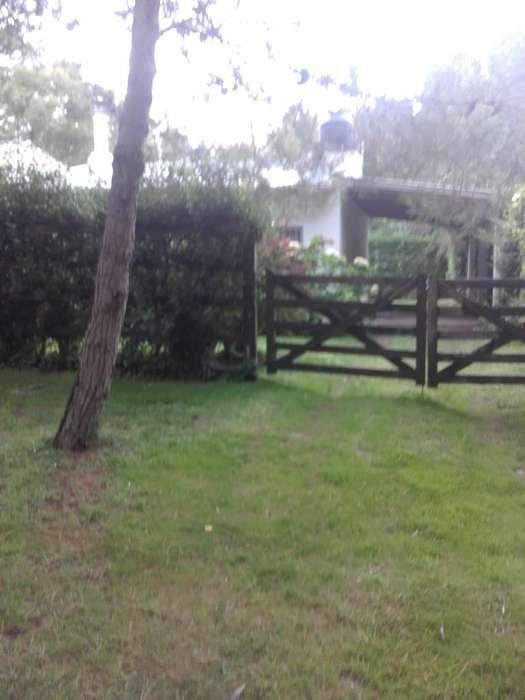 Alquilo Casa con Pileta Bal Pehuen Co