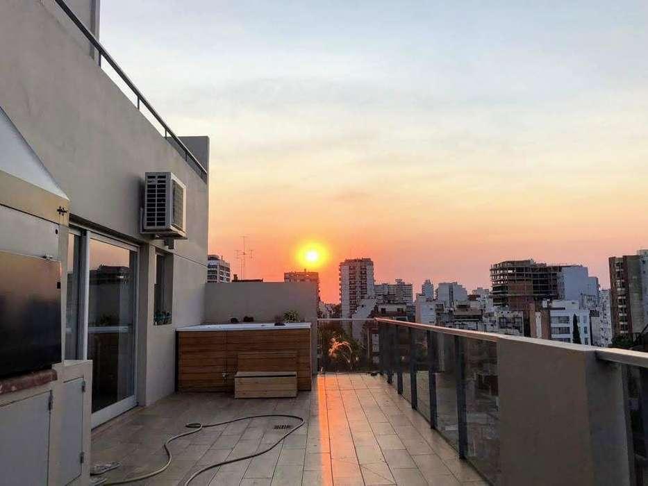 Triplex con 2 balcones terraza, parrilla, jacuzzi y cochera