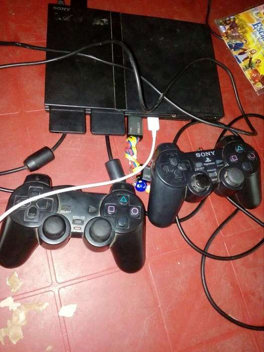 Vendo Playstation 2 a 60dolares