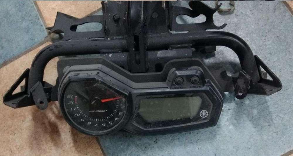 Tablero Yamaha Fazer 600 con Araña