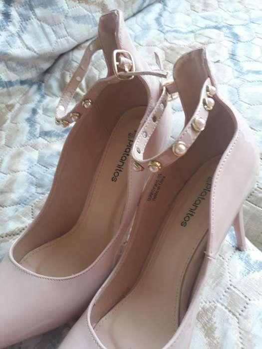 Zapatos Nuevos Talla 39 Marca Vizzano E