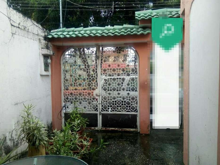 Venta de Casa en Guayacanes, cerca del Parque de Samanes - Ma Carmen Núñez