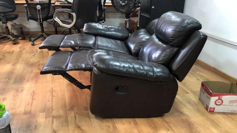 Sofa Reclinable en Cuero