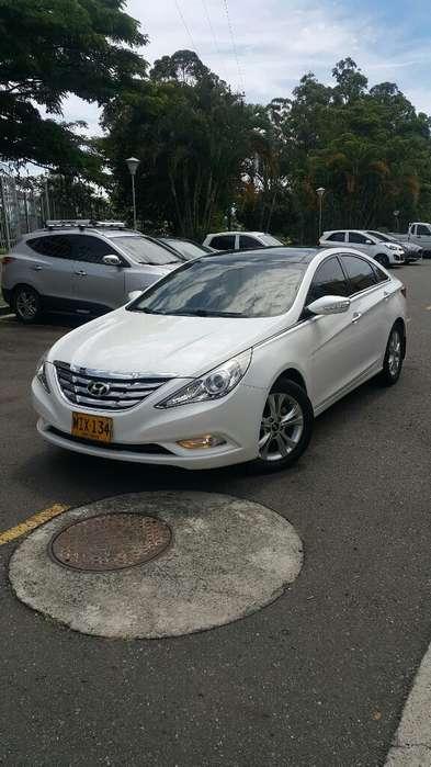 Hyundai i45 2012 - 65000 km