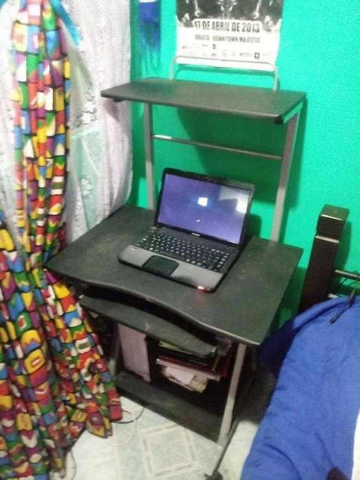 <strong>escritorio</strong> Metalico con Ruedas