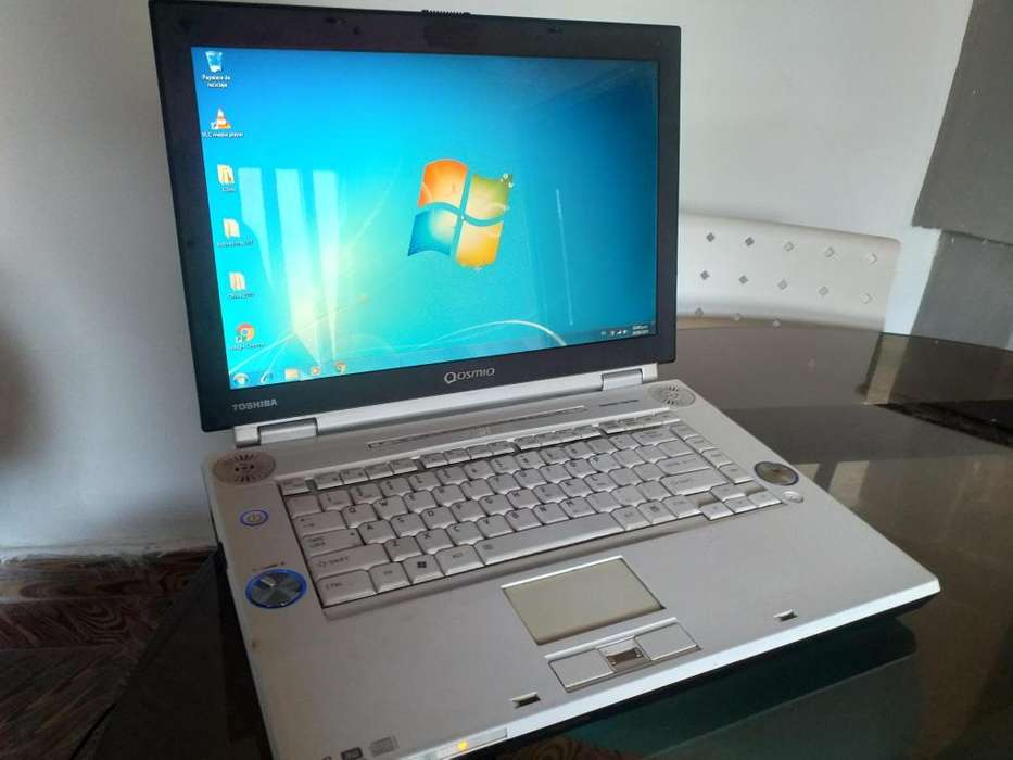 Notebook Toshiba 4GB 320GB de disco