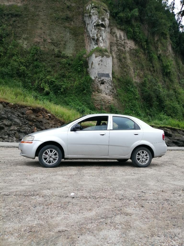 Vendo Lindo Chevrolet Sedan