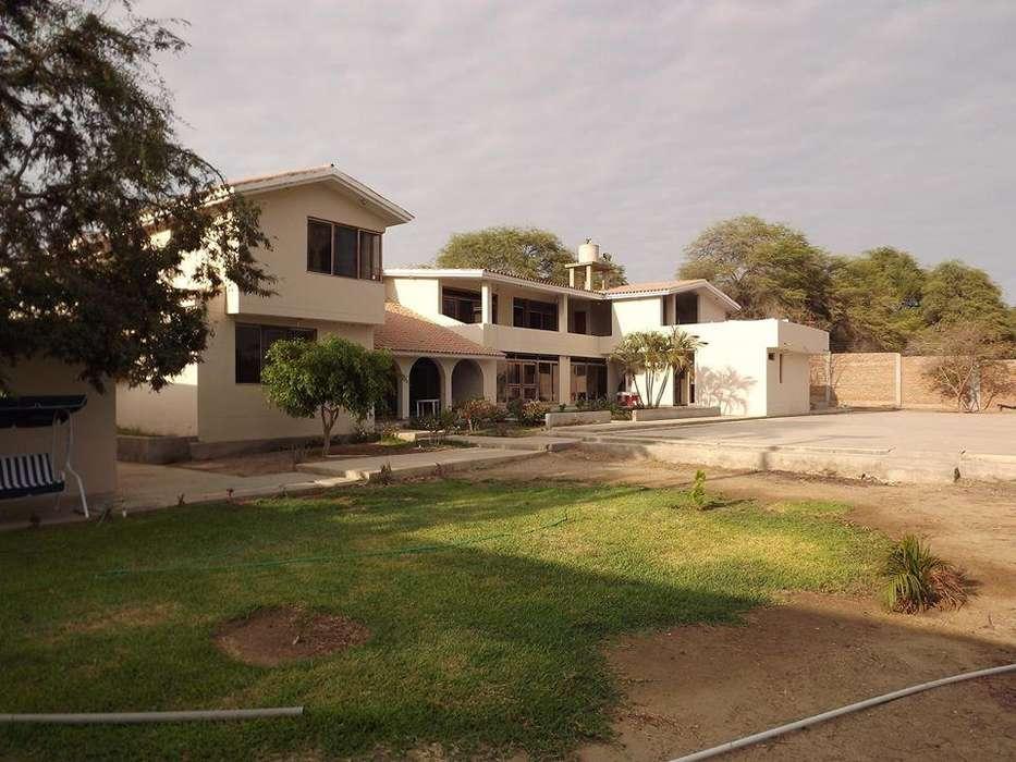 Bajó de Precio casa como terreno en Urb San Eduardo, Av. Chirichigno, Piura.