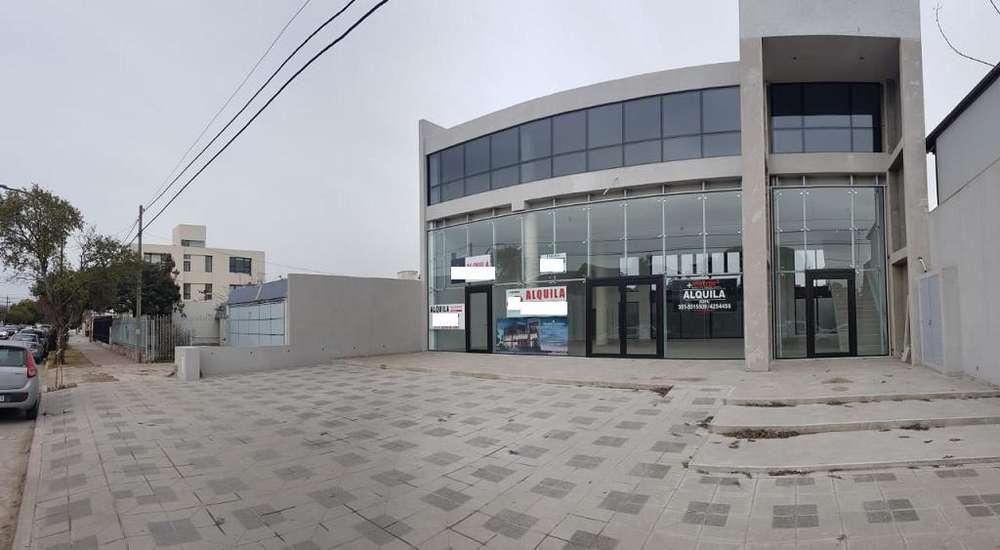 Alq Local Comercial en calle Tejeda - Cerro De Las Rosas