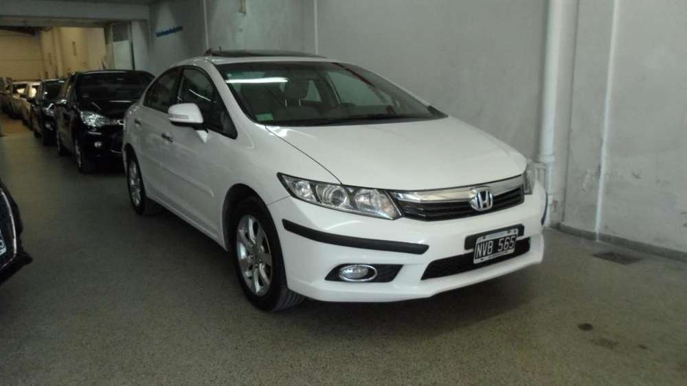 Honda Civic 2014 - 143000 km