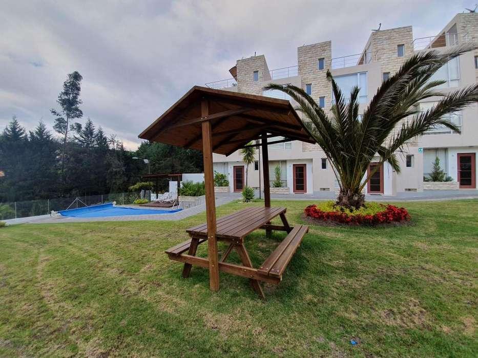 Aproveche VENDO casa ESQUINERA amplio jardín pérgola BBQ, conjunto piscina 3 pisos