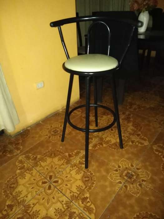 Vendo silla de bar giratoria