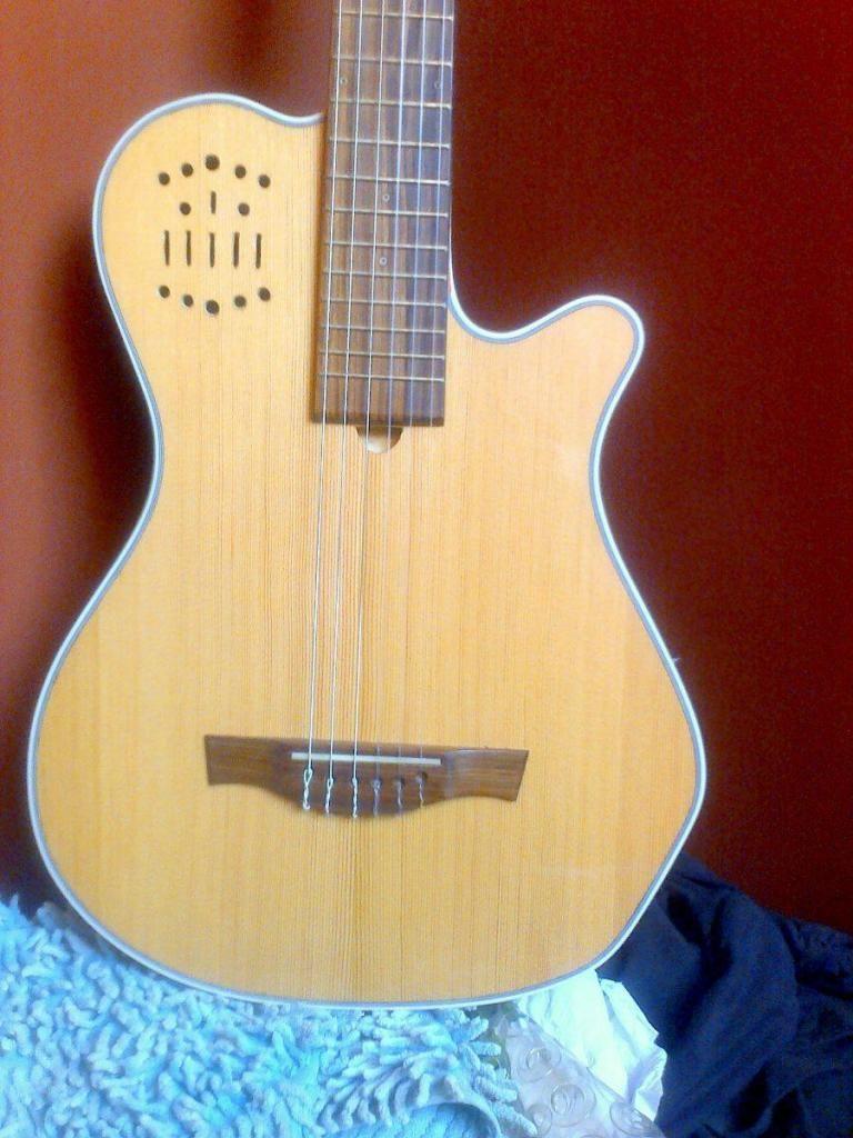 Guitarra Godin Solida Electroacustica Modelo Grand Concert