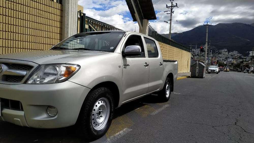 Toyota Hilux 2009 - 40000 km