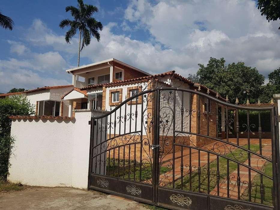 **OPORTUNIDAD**Vendo <strong>casa</strong> Campestre Piedecuesta. 800 m2. Directo.