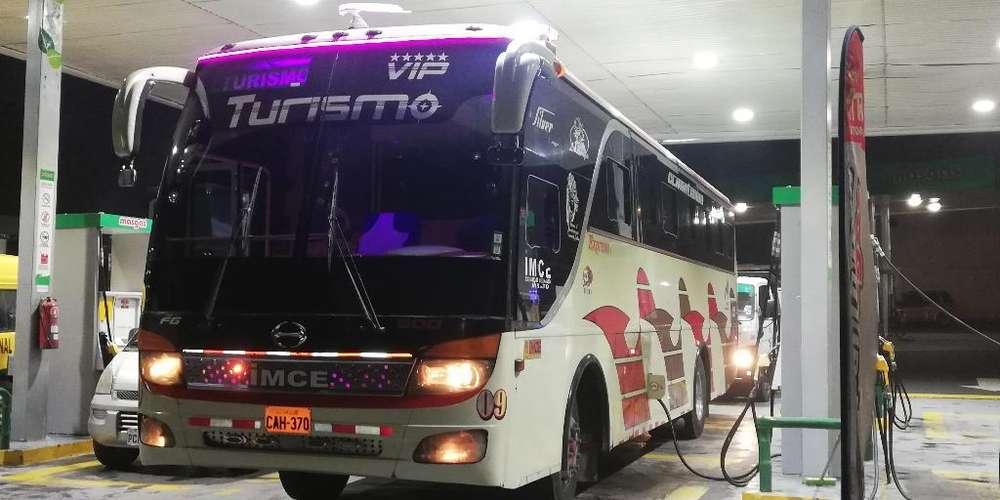 Bus Hino Fg 2011 a Toda Prueba 44 Pax