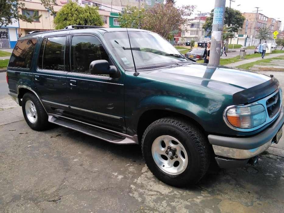 Ford Explorer 1997 - 180000 km